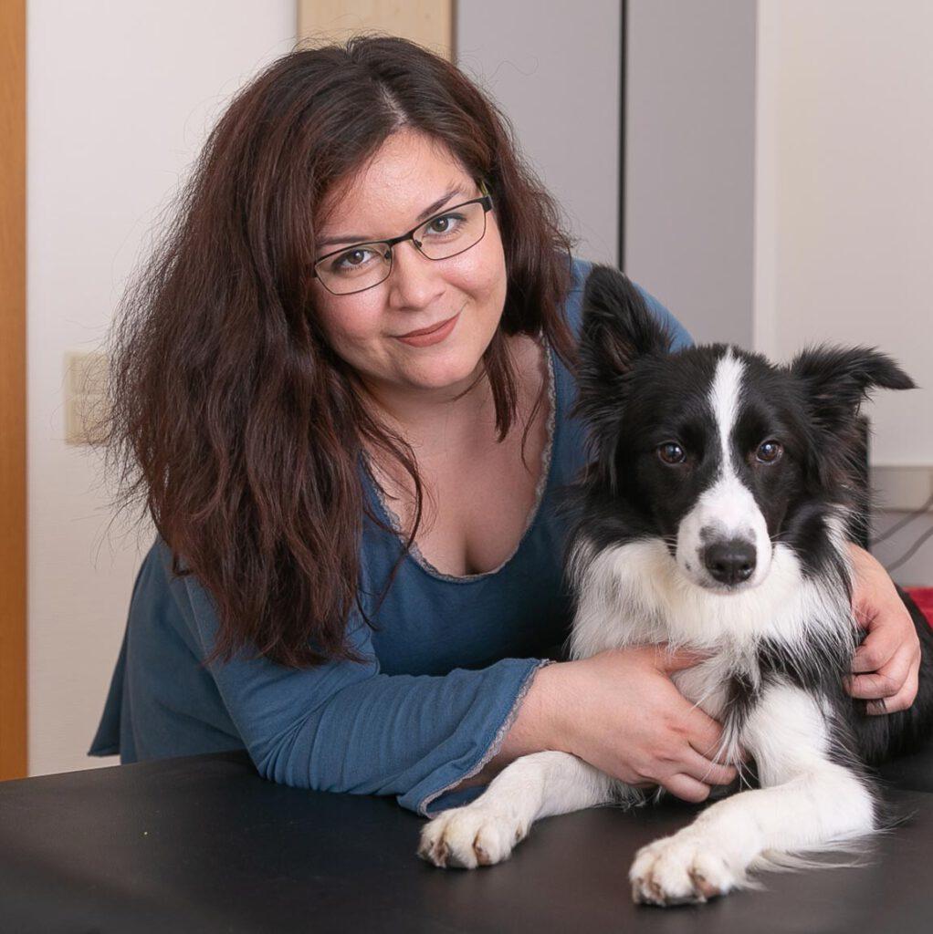 Katharina Schneider mit Hund